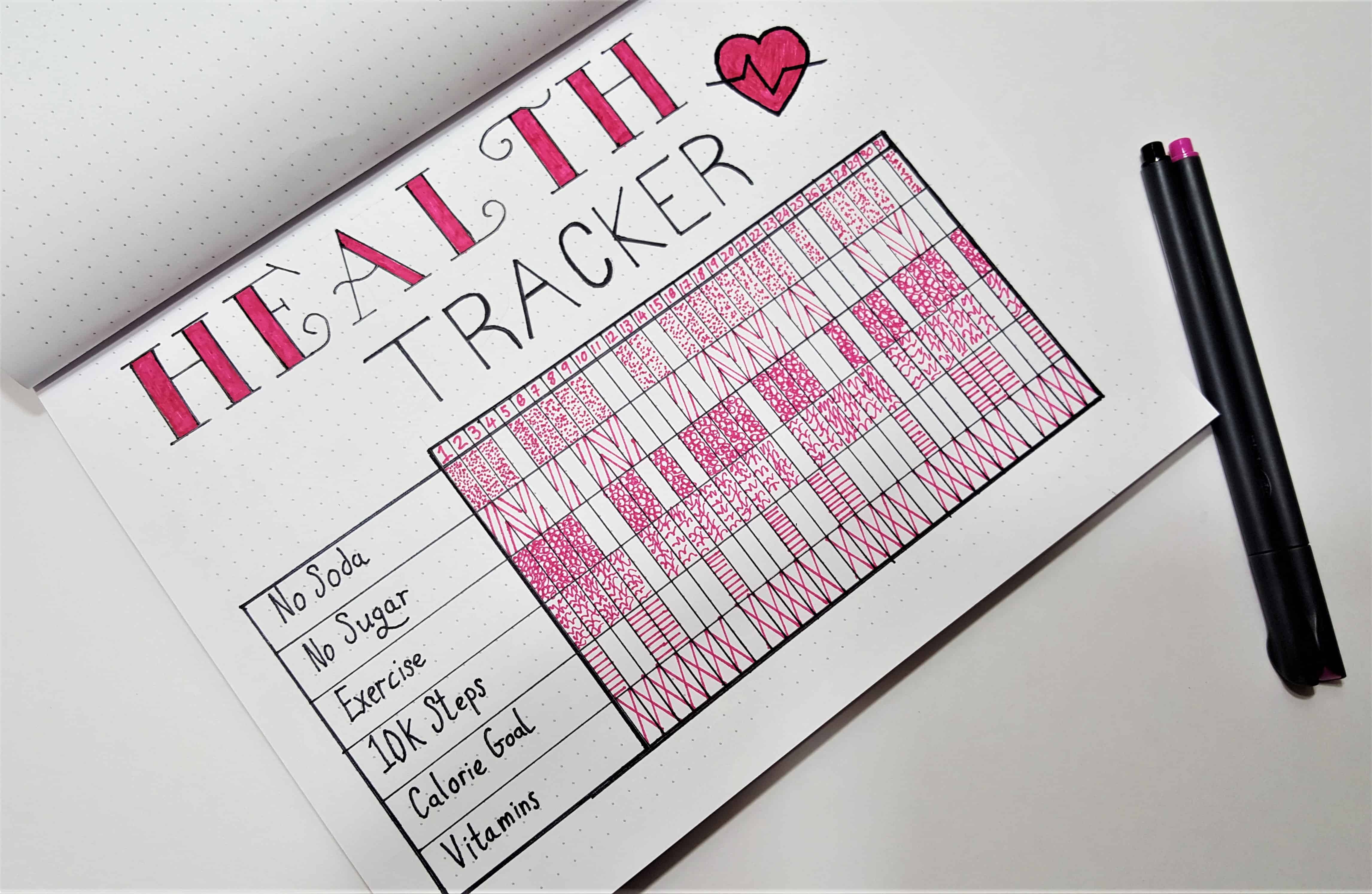 Bullet Journal Ideas to Make Life Easier - Weight Loss Tracker Bullet Journal | Use your bullet journal to track your weight loss, meal planning, health, exercise and more. Weight Loss Tracker Spread & Health Tracker Spread.
