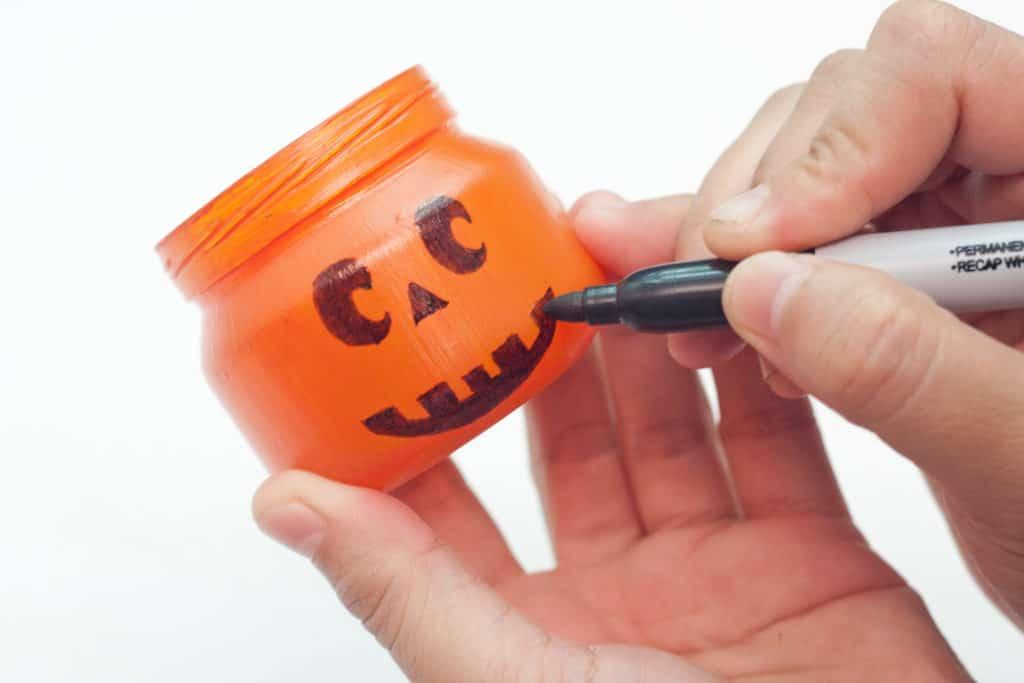 Decorating your jack-o-lantern