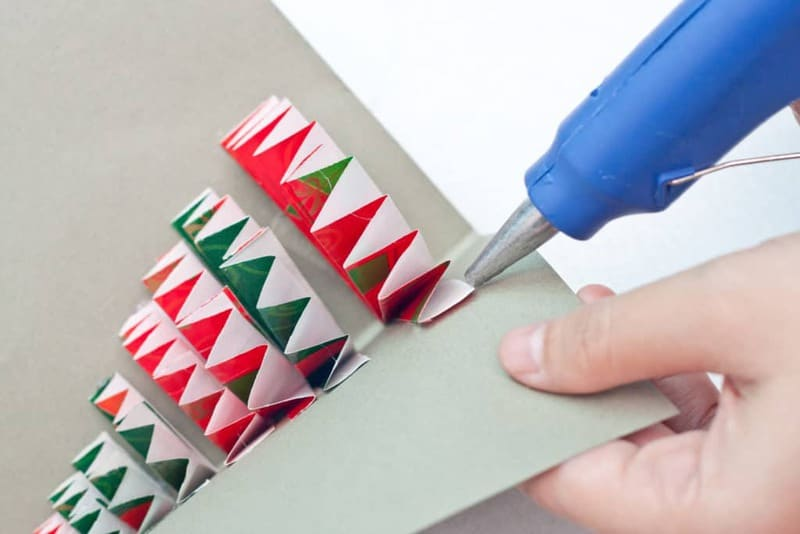 Assembling your Pop-Up Christmas Tree Card